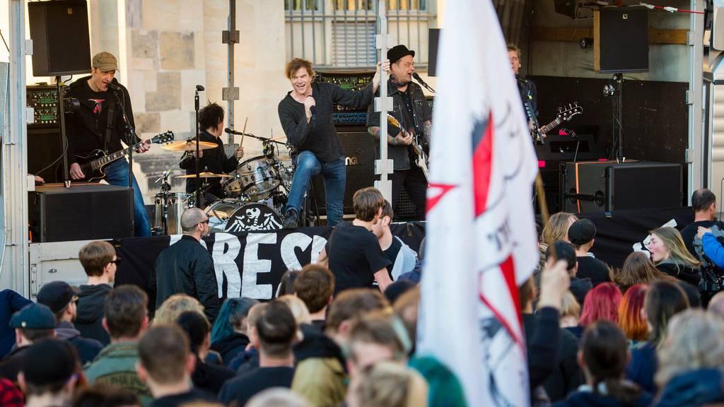 Die Toten Hosen bei ihrem Auftritt in Dresden.