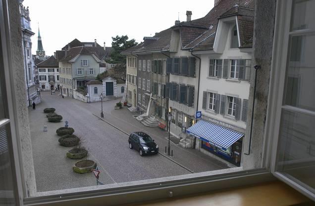 Dazu gehört auch ein Hotel. Hier die Aussicht aus einem der Zimmer auf das Restaurant im 2002.