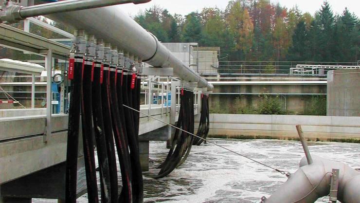 Entsteht durch die geplante Sondermüll-Anlage eine Gefährdung für die Trinkwasseraufbereitung? (Symbolbild)