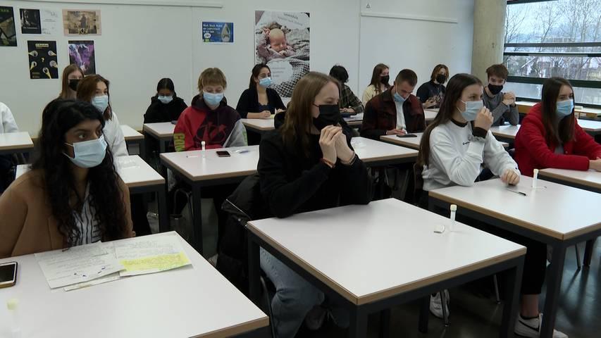 Massentests an der Kantonsschule Zofingen