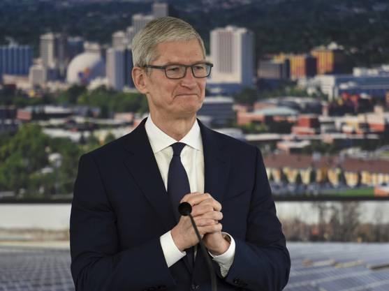 Apple-Chef Tim Cook ist mit dem letztjährigen Weihnachtsgeschäft zufrieden. Es hat dem US-Konzern einmal mehr Rekordzahlen beschert. (Archivbild)