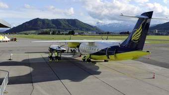 Flugzeug der Skywork Airlines auf dem Flughafen Bern-Belp (Archiv)