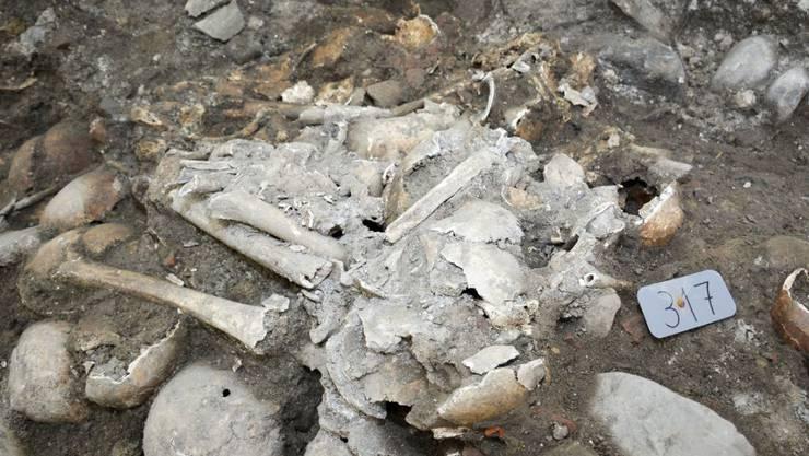 Die Überresten von rund 300 Toten sind in Luzern bei archäologischen Grabungen geborgen worden und finden nun ihre letzte Ruhe.