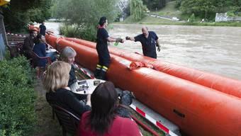 Oft bereiteten Schaulustige der Feuerwehr viele Probleme(Symbolbild)