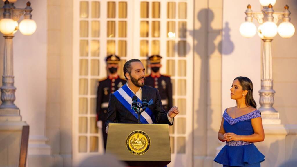 Präsident Bukele nennt sich «Diktator von El Salvador»