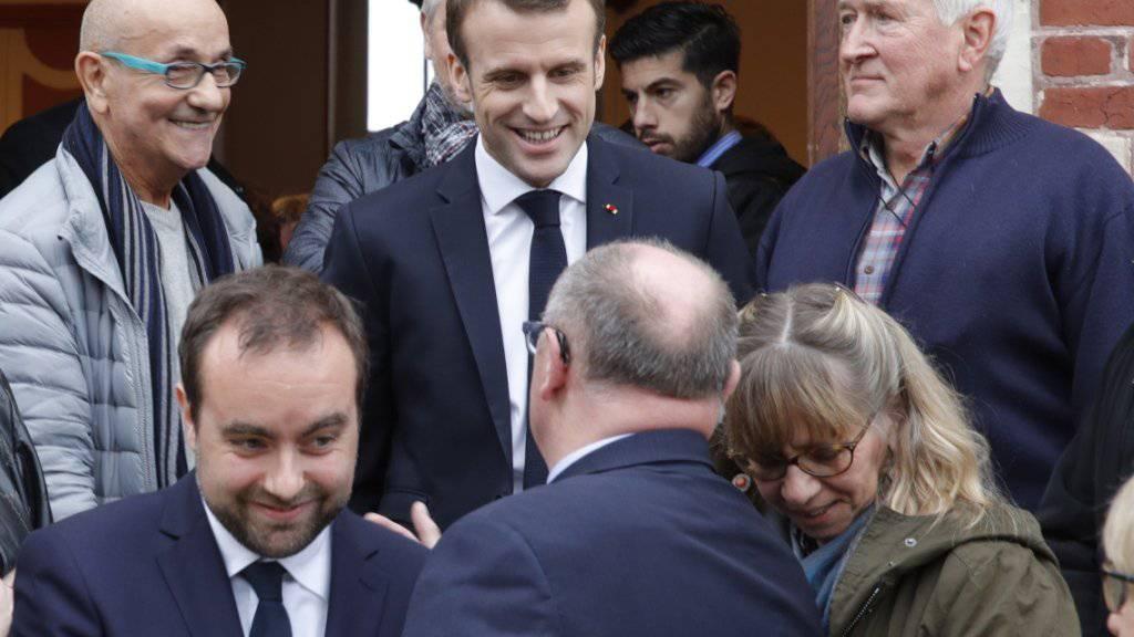 Zum Auftakt seiner Bürgerdebatte traf sich der französische Präsident Emmanuel Macron mit dem Stadtrat von Gasny, einem 3000-Einwohner-Ort in der Normandie.