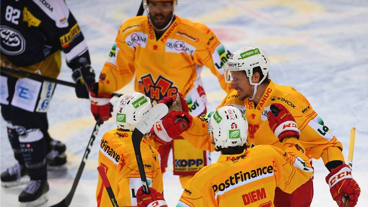 Damien Brunner (r.) und seine Bieler Teamkollegen haben in dieser Saison viel Grund zum Jubeln.