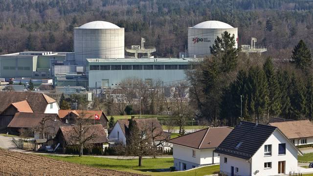 Das Gesuch für den Ersatz der beiden AKW Mühleberg und Beznau (Bild) war im Dezember 2008 eingereicht worden