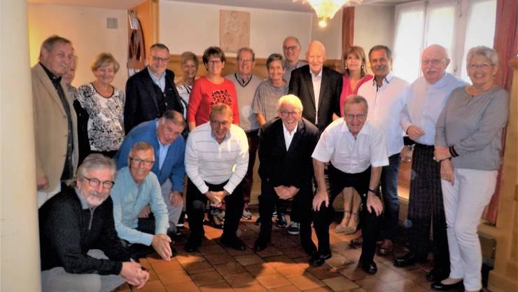 """50 Jahre nach dem Aufstieg in die Nationalliga A treffen sich die damaligen Wettinger Fussballer zum Jubiläum im """"Sternen"""" auf der Klosterhalbinsel."""
