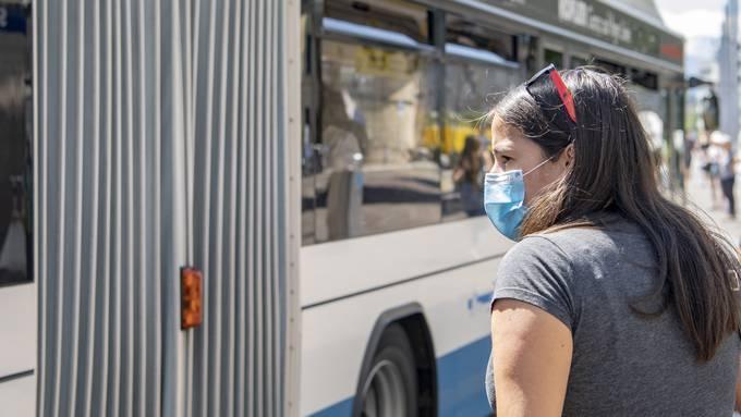 Einwegmasken müssen nach dem Gebrauch umgehend entsorgt werden.