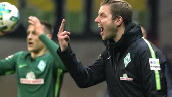 Missglückter Einstand: Bremens Interimscoach Florian Kohfeldt versucht vergebens, auf das Geschehen auf dem Platz Einfluss zu nehmen