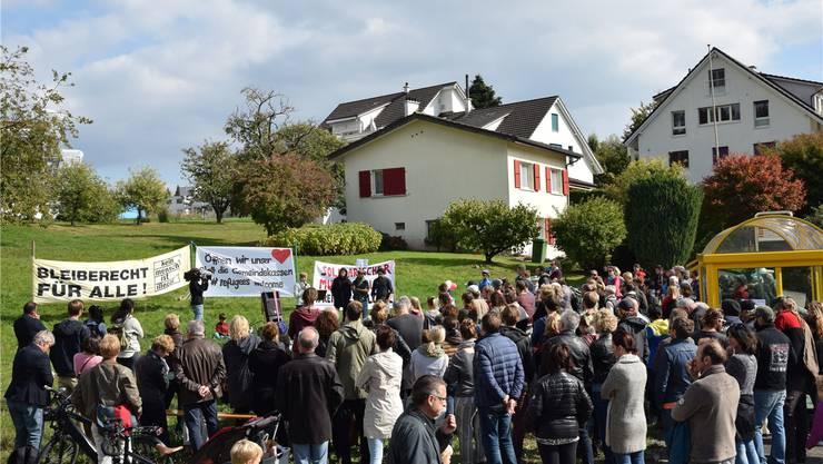 Vor fünf Monaten, am 27. September, fand in Oberwil-Lieli eine Demonstration für die Aufnahme von Flüchtlingen statt. Toni Widmer
