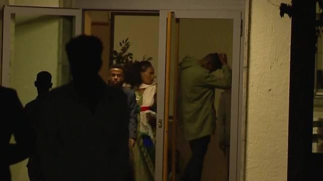 Szenen nach der eritreeischen Hochzeit in Aarau, die in eine Massenschlägerei ausartete