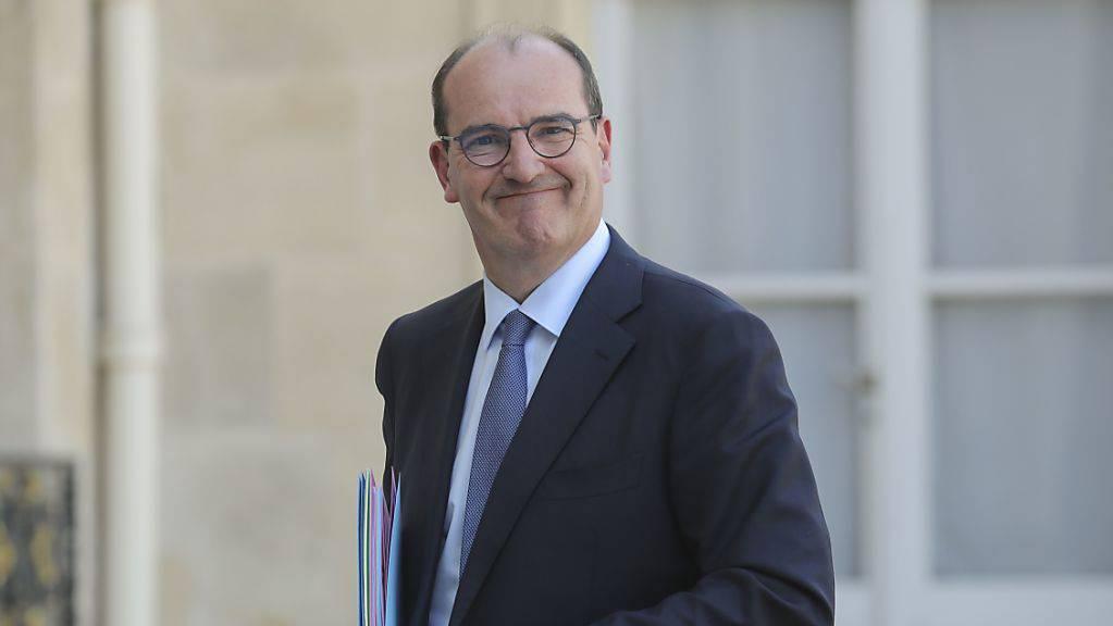 Jean Castex, neuer Premierminister von Frankreich, trifft zur ersten wöchentlichen Kabinettssitzung nach der Regierungsumbildung im Elysee-Palast ein. Foto: Ludovic Marin/AFP/dpa