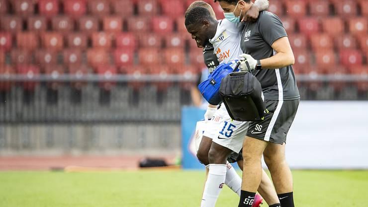 Aiyegun Tosin zog sich in der Partie Ende Juni gegen Lugano eine Knieverletzung zu und musste ausgewechselt werden
