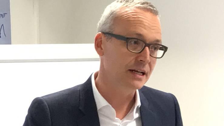 Markus Ziegler von Biogen kündigt einen Stellenausbau in Luterbach an.