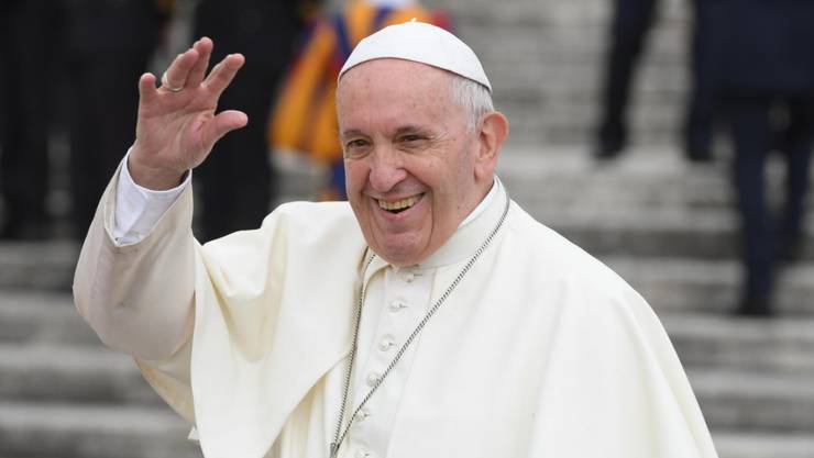 Papst Franziskus soll sich um die Probleme in seiner Kirche kümmern, bevor er anderen etwas vorschreibt.