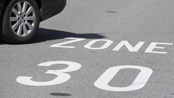 Auf Antrag zahlreicher Anwohner soll in Mellingen die Einführung einer Tempo-30-Zone im Gebiet Jurastrasse/Neugrüenstrasse vorgenommen werden. (Symbolbild)