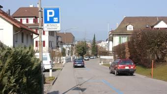An der Alten Bernstrasse findet (ausgenommen von diesem Jahr)  das «Bernstrass-Fest» statt.