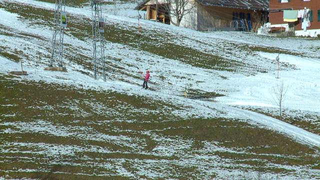Rodeln statt Skifahren auf dem Atzmännig