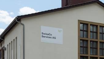 Etwa 70 Angestellte werden am Aenova-Standort in Sisseln ab August in Euro bezahlt. Dies ergibt beim aktuellen Wechselkurs eine Lohneinbusse von über 10 Prozent.Alex Spichale