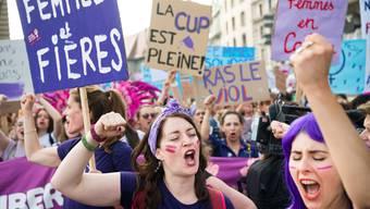 Am Frauenstreik wurde unter anderem gegen Lohnungleichheit demonstriert. Die nationalrätliche Kommission wählt aber ein langsameres Vorgehen.