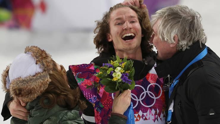 Am Ziel: Iouri Podladtchikov mit Mutter Valentina und Vater Yuri.Key