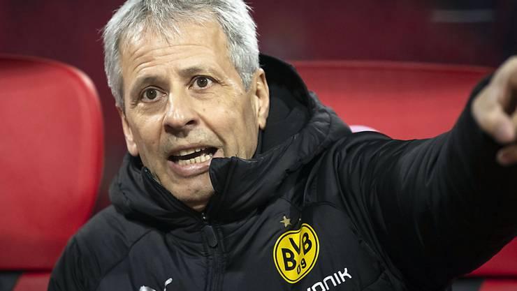 Das Gesicht spricht Bände: Lucien Favre quält sich mit dem BVB derzeit rum