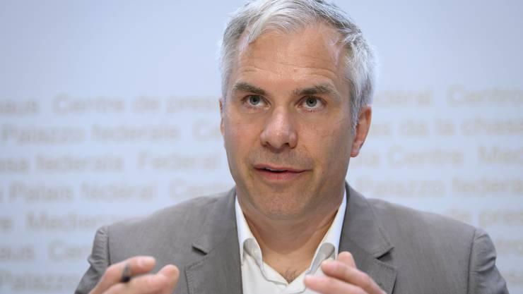 Task Force-Präsident Martin Ackermann freut sich vorsichtig über die sinkenden Fallzahlen.
