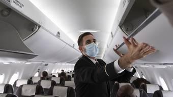 Die Maskentragepflicht gilt nun für alle Gäste. Doch es gibt Ausnahmen bei der Umsetzung.