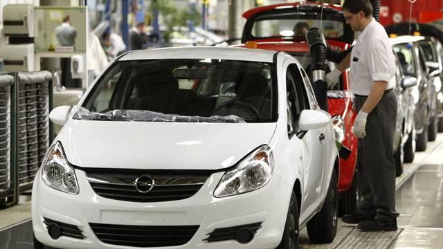 Erfolgreiches Jahr für die deutsche Autoindustrie: Blick in ein Opel-Werk in Eisenach (Archiv)