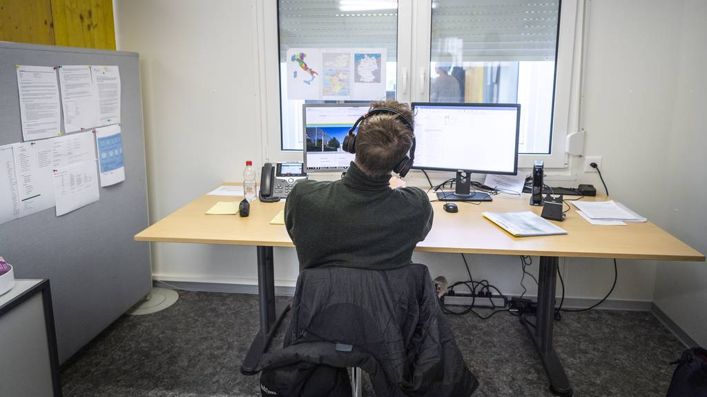 170 Anrufe am Tag: Das Telefon der Corona-Hotline klingelt ununterbrochen