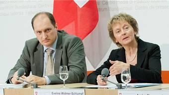 Daniel Roth war als Finma-Chefbeamter und danach (bis Frühling 2016) als Leiter Rechtsdienst im Departement von Eveline Widmer-Schlumpf tätig.