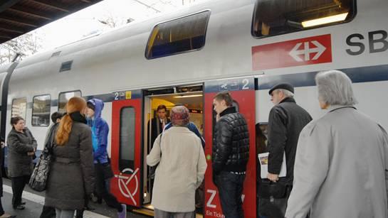 Die S-Bahn in den Aargau gehört zum Rückgrat des öffentlichen Verkehr.