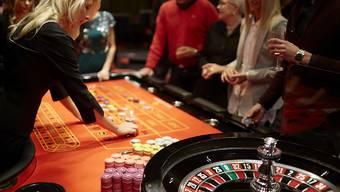 Die Casinos in der Schweiz ächzen unter der Konkurrenz illegaler Online-Spielangebote. (Symbolbild)