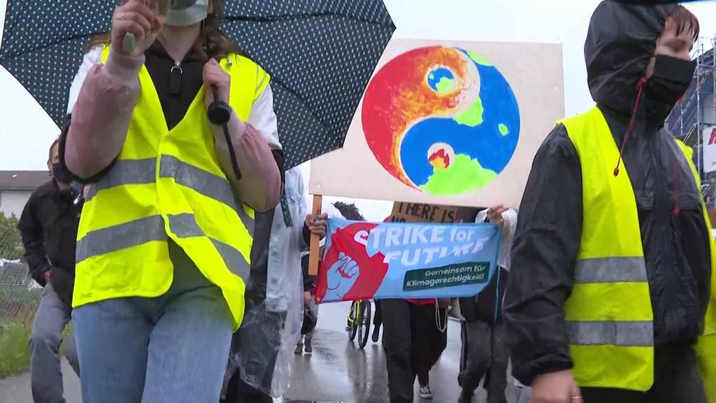Klima-Alarm: Klimaaktivisten versammeln sich zu Demos und Aktionen