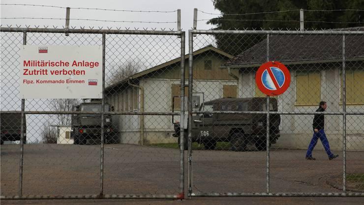 Die alte Militäranlage in Bettwil verschwindet und wird durch ein Mehrzweckgebäude ersetzt. (Archiv)