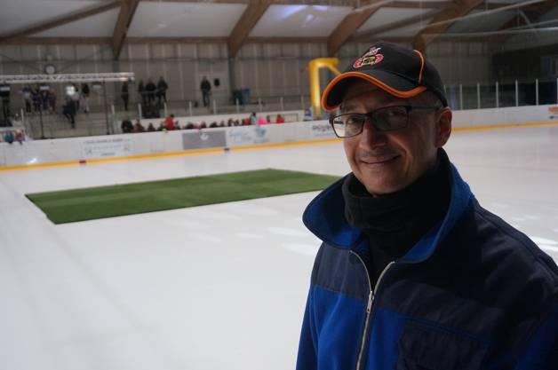 Er sorgte dafür, dass der Teppich rutschfest war: Eismeister Lotfi Ben Hamissa.