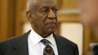Bill Cosby verlässt nach der vorbereitenden Anhörung das Gericht ohne eine Aussage gemacht zu haben.