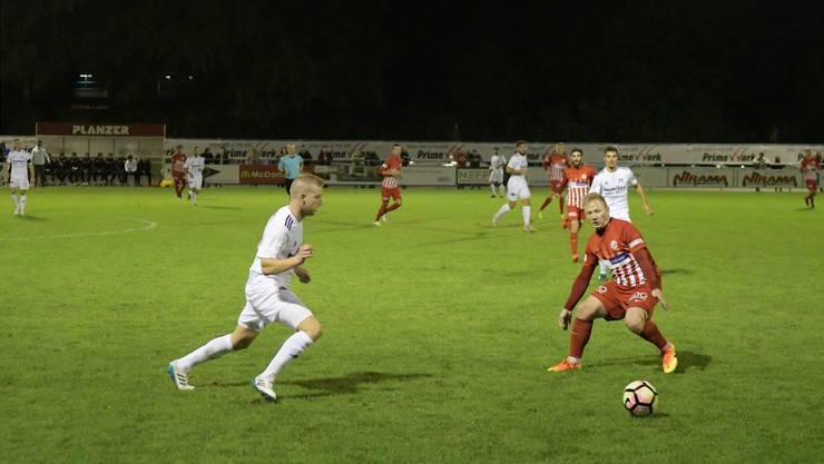 Die Dietiker mit Blanzenko Klaric (rechts), hier gegen den FC Muri, starten am 10. März in die Rückrunde.