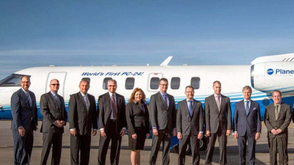«World's First PC-24» steht auf dem Jet aus dem Hause Pilatus: Das Unternehmen PlaneSense hat in Colorado den ersten Flieger der neuen Reihe erhalten.