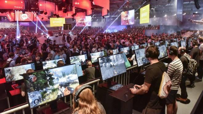 Eine halbe Million Game-Fans sind diese Woche nach Köln gepilgert, um die neusten Spiele auszuprobieren. Foto: Thomas Klerx