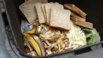 Jeden Tag landen Unmengen Lebensmittel im Abfalleimer.