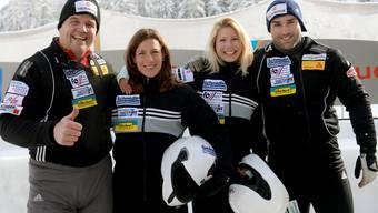 Beat Heft, Nicola Spirig, Linda Züblin und Alex Baumann (v.l.n.r) gehen am Sonntag im Viererbob an den Start.