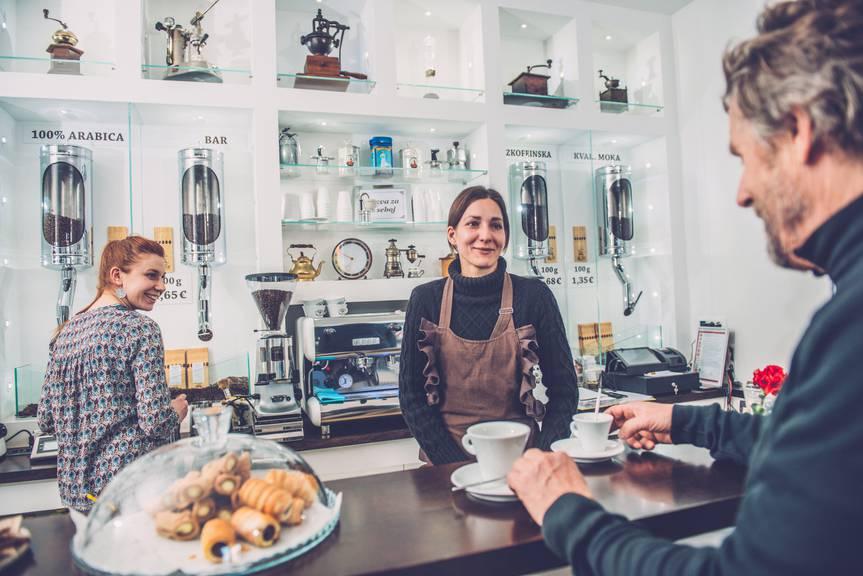 Wer in Triest ist, muss dort ein Kaffee besuchen, sagen Kenner (Bild: istock)