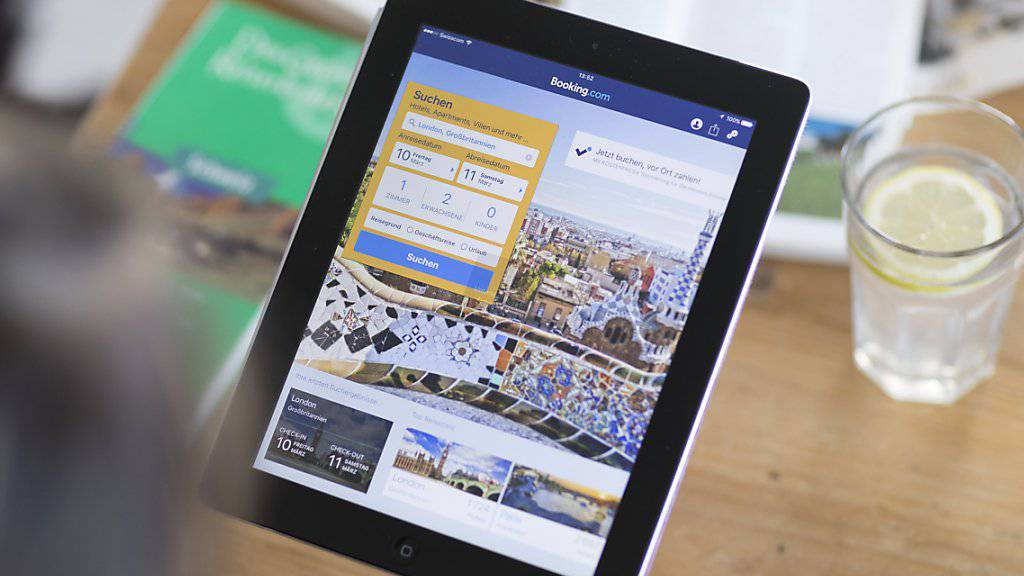 Online-Buchungsplattformen wie Booking.com sollen Hotels nicht mehr vorschreiben dürfen, auf ihrer eigenen Website den Preis nicht zu unterbieten. (Symbolbild)