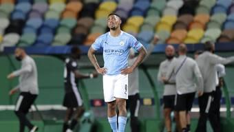 In einem leeren Stadion gibt es keine Fan-Gesänge und Pfiffe. TV-Zuschauer der Champions League erleben indes eine «falsche Wahrheit». Im Bild: Manchester Citys Gabriel Jesus.