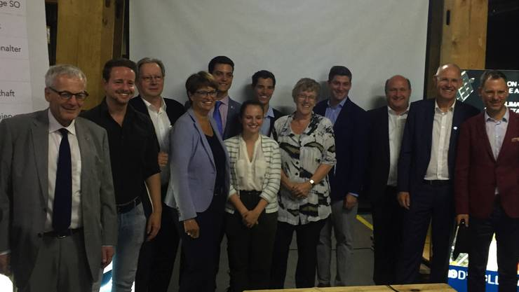 Zufriedene FDP Kandidatinnen und Kandidaten in Lüsslingen