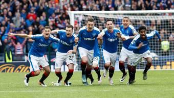 Die Rangers werfen nach Penaltys Celtic aus dem Cup