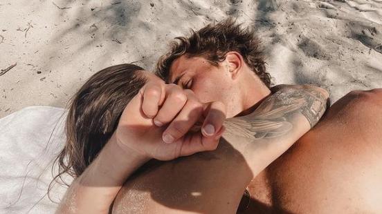 Kuss-Foto beweist: Thomalla und Zverev sind ein Paar